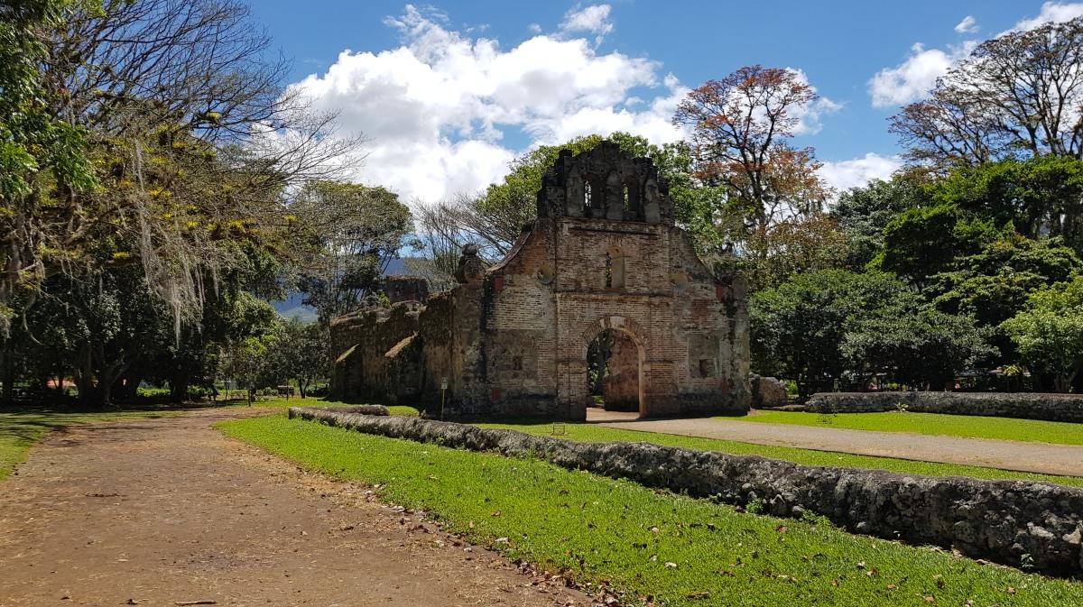 Ruinas de Ujarrás yMirador